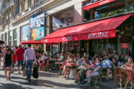 Champs Elysees Paris kafe