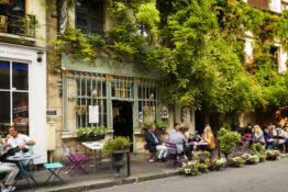 Kafe stille klokken Paris Frankrike tidssone