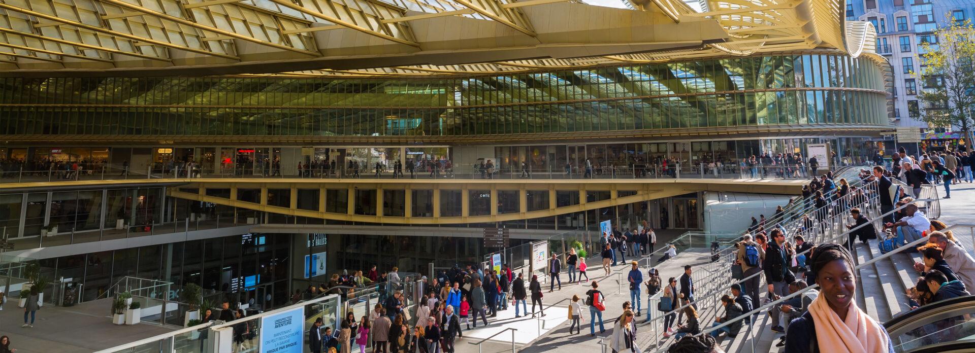 Forum des Halles kjopesenter Paris Frankrike shopping