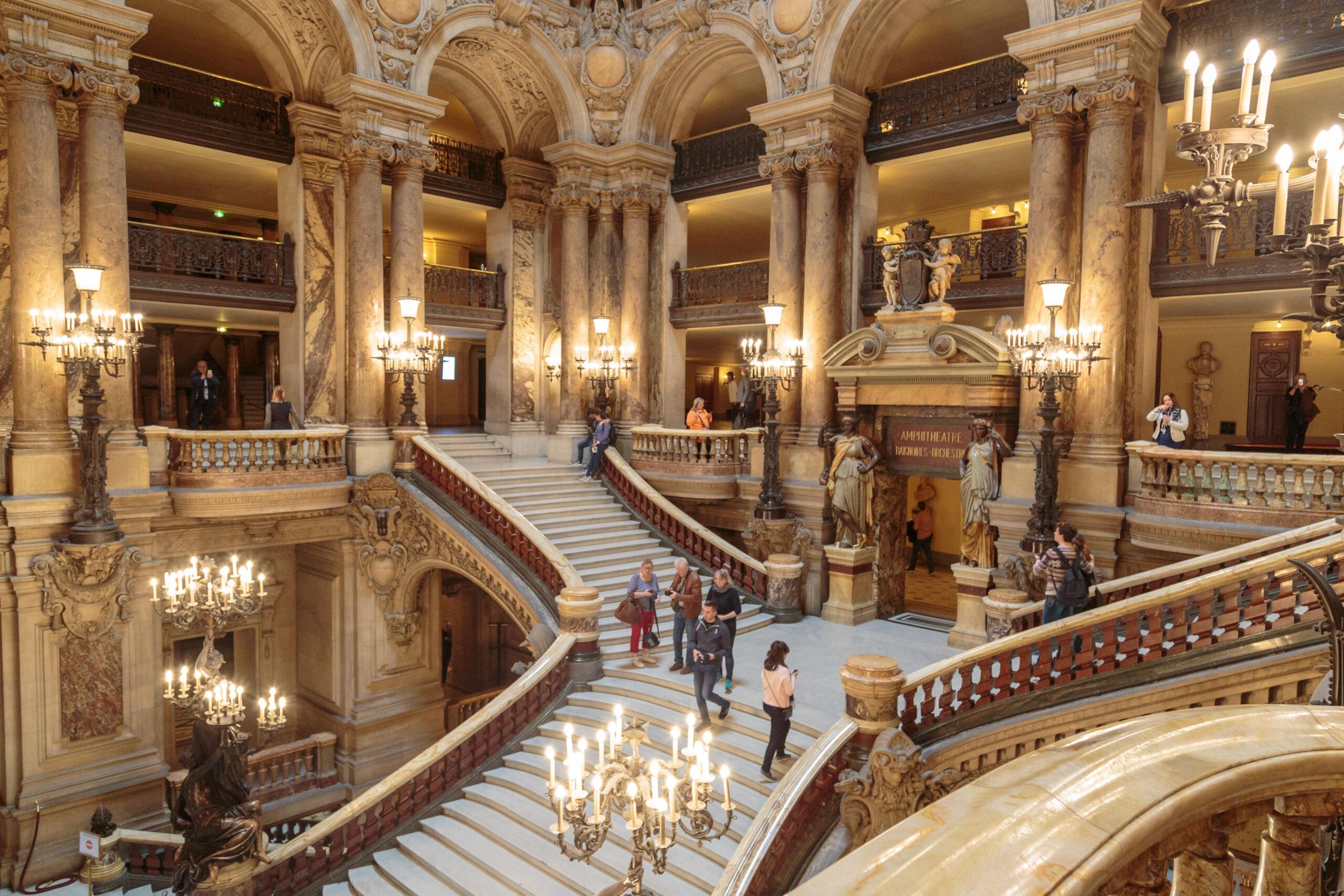Opera de Paris Garnier Frankrike trapper innside