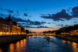 Pont Neuf Paris romantisk bro hengelas kvelden