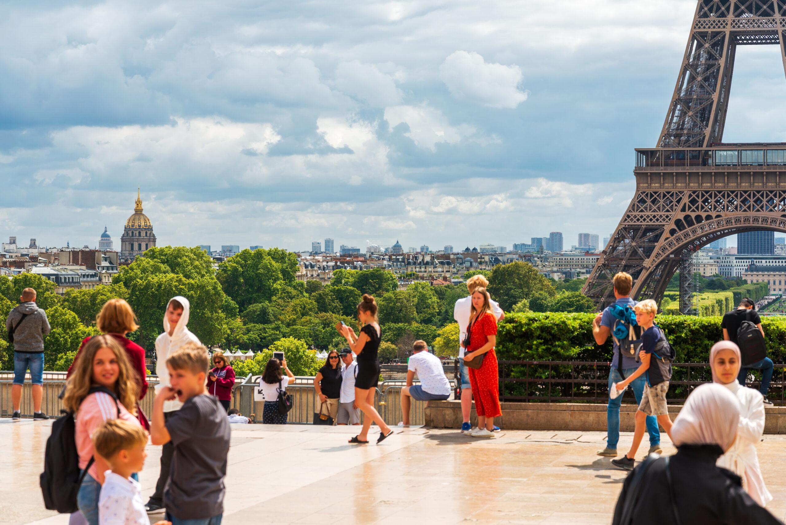 Champ De Mars Paris park mennesker turister