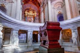 Napoleon kiste gravplass Frankrike Paris Hotel des Invalides
