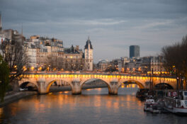 Seinen Paris hovedelv elv Frankrike bro kvelden kveldscruise
