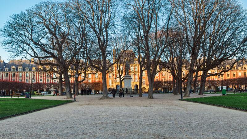 Place des Vosges Paris plass sentral samlingsplass