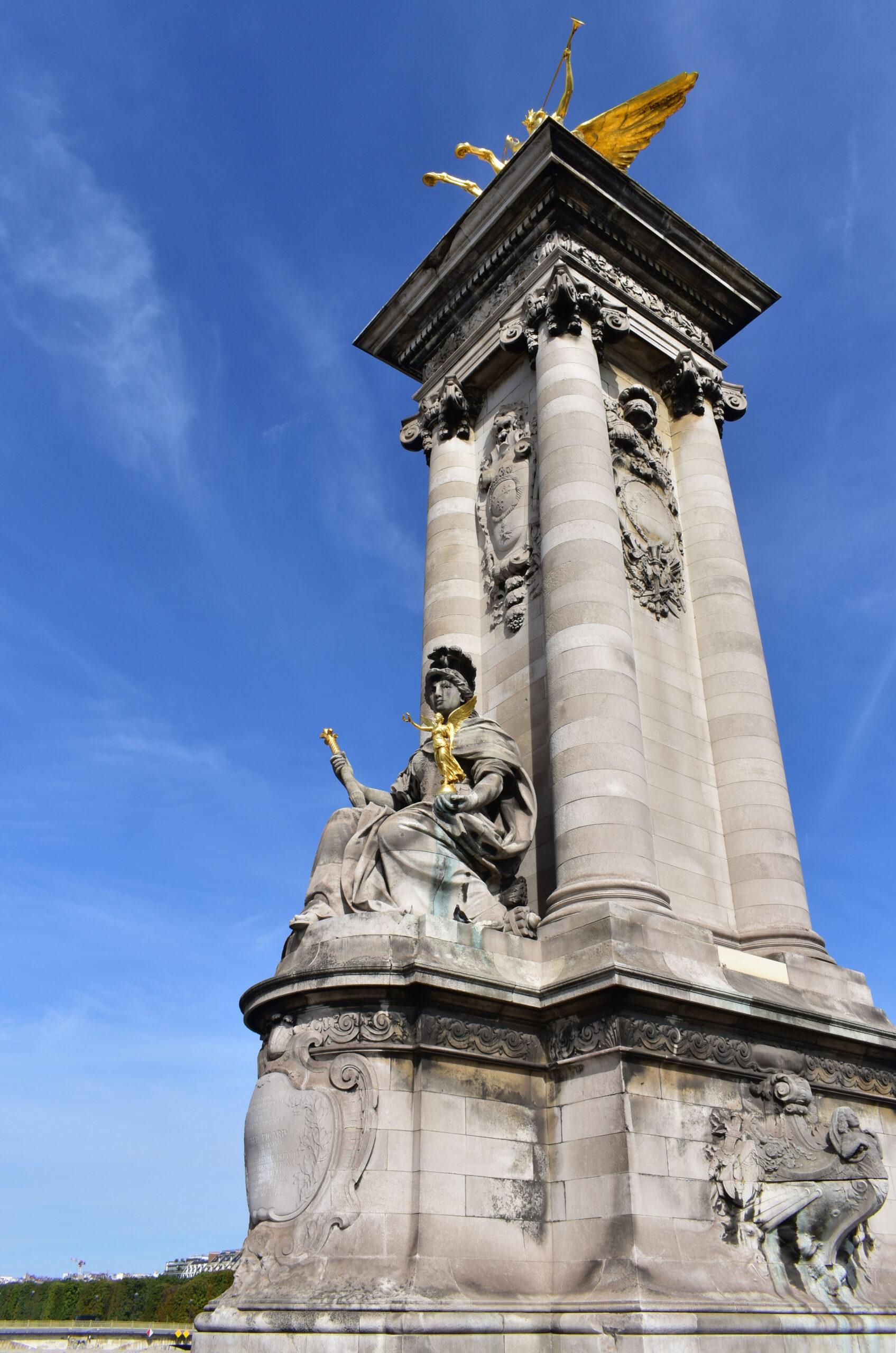 Pont Alexandre III Paris bro design arkitektur figurer pilarer