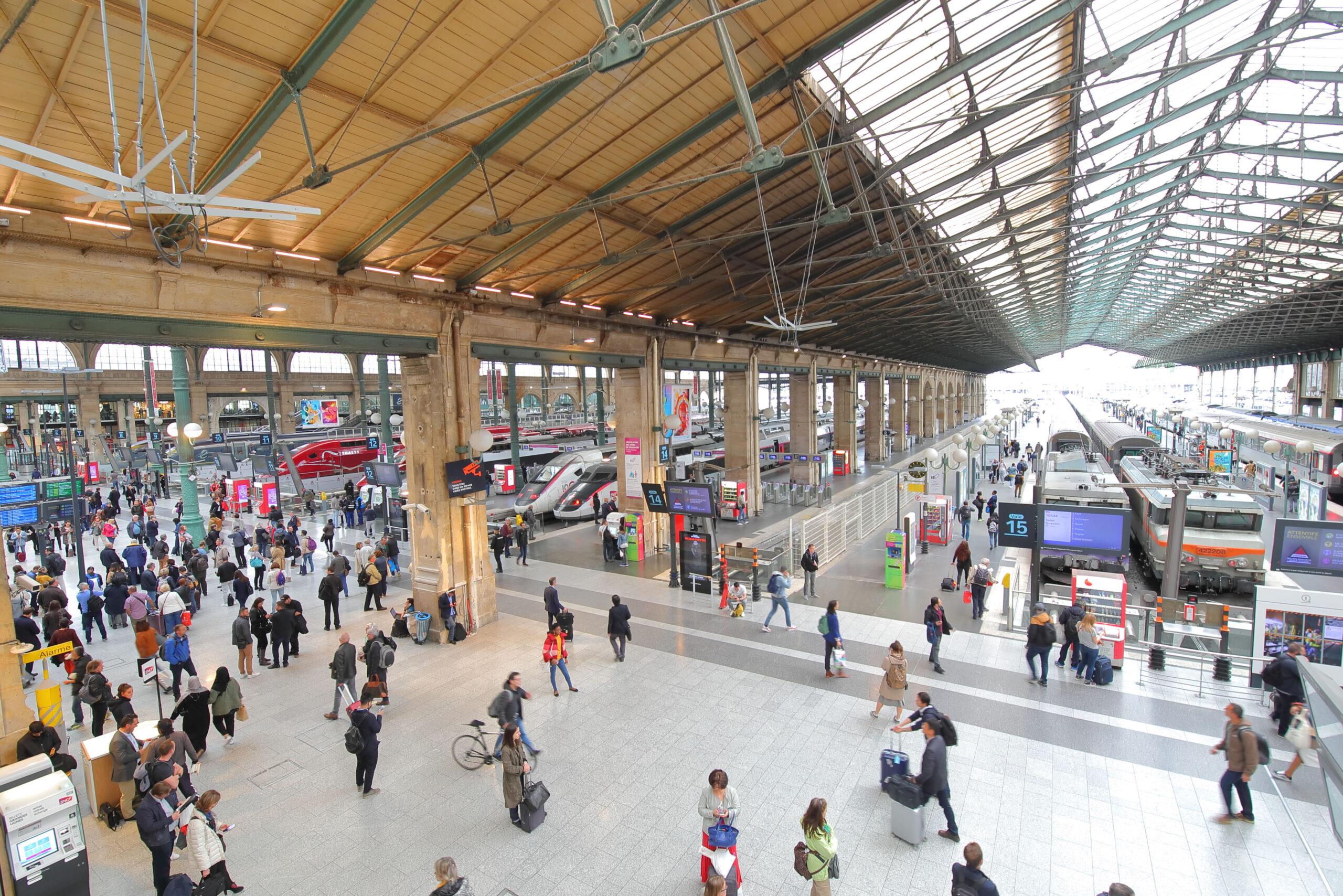 Gare du Nord Paris togstasjon tog linjer