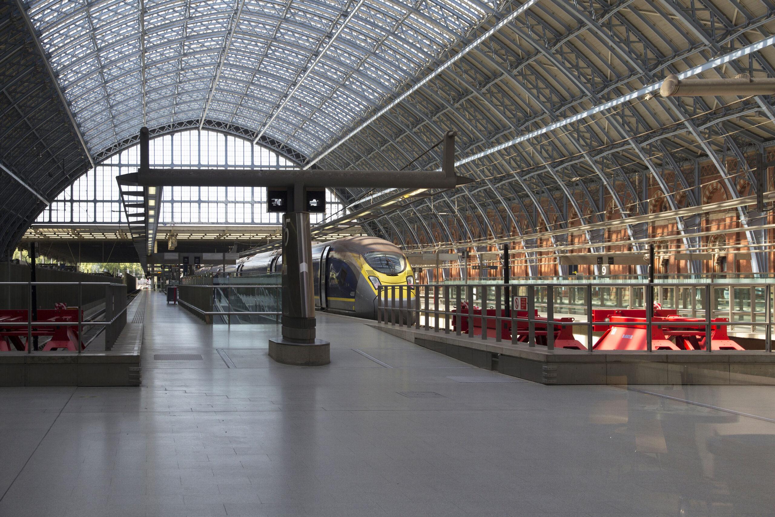 Tog til London fra Paris