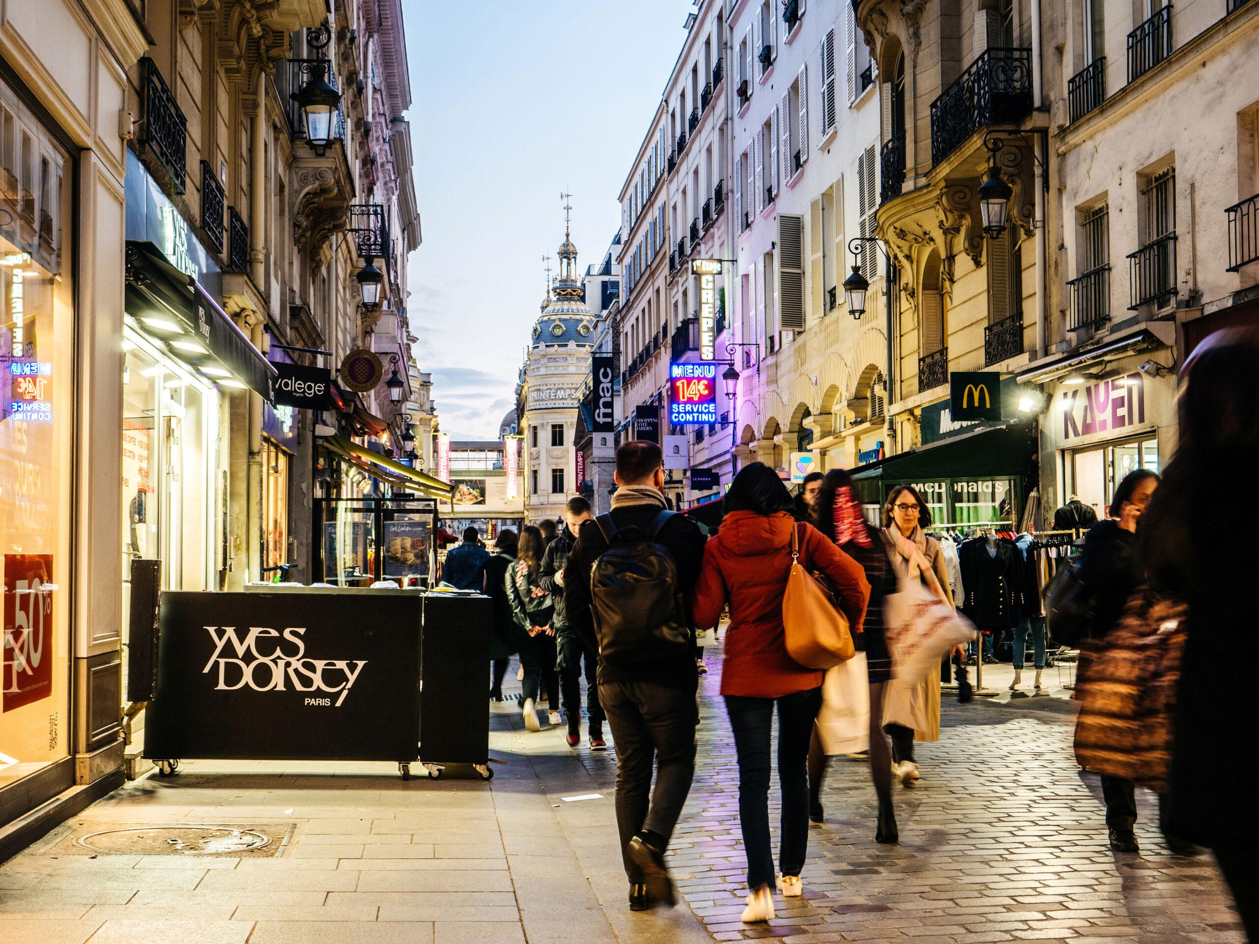 Januarsalg Paris klesbutikker shopping