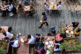 mat drikke anbefalte restauranter Paris vinbar uteservering
